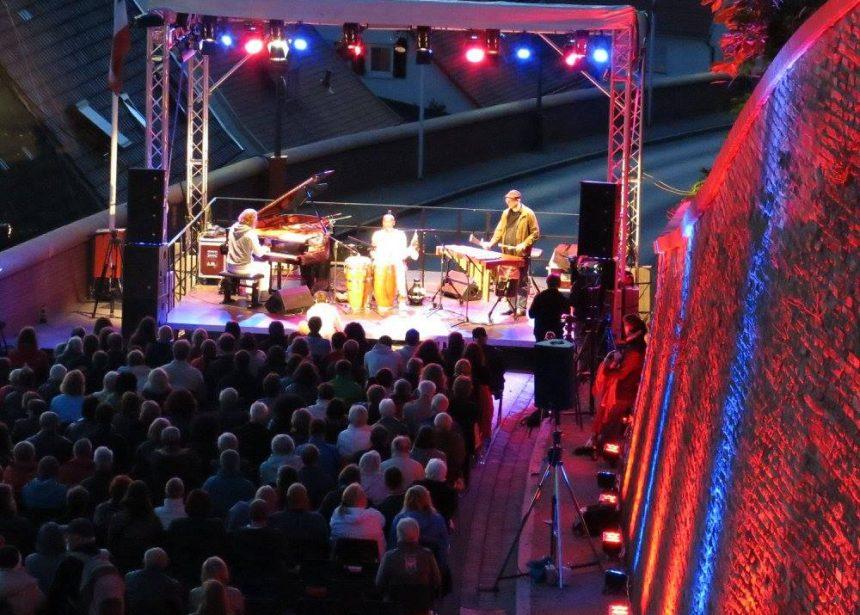 """21.6./ 21.30 Uhr in FDB beim """"Fete Dela Musique"""" Festival an der Bergbühne"""