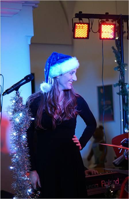 Perfect photo shoot – at Mr. Hills Christmas Eve – (c) jws Übersetzung anzeige…